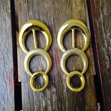 Peça de ABS dourada
