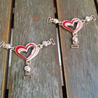 Cabedal em coração vermelho